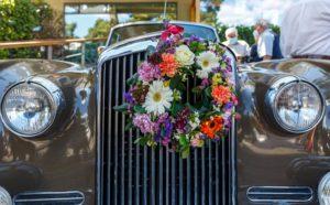 Κηφισιά: Λέσχη φίλων παλαιού αυτοκινήτου ΦΙΛ.ΠΑ «15ος Γύρος Κηφισιάς Αντίκες και Λουλούδια»