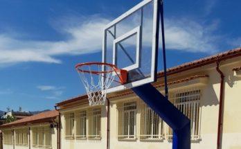 Κηφισιά: Αντικατάσταση παλαιών μπασκετών με νέες στο 3ο Δημοτικό Σχολείο
