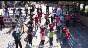 Λυκόβρυση Πεύκη: Οι μαθητές και οι δάσκαλοι του Ειδικού Δημοτικού Σχολείου Κωφών και Βαρήκοων Πεύκης δημιούργησαν ένα τραγούδι για τον κορωνοϊό