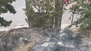 Πεντέλη: Διακοπές ρεύματος στην πρώτη γειτονιά της Δημοτικής Κοινότητας των Μελισσίων από έκρηξη σε κολόνα της ΔΕΗ στην οδό Β. Ηπείρου και Λ. Πεντέλης Βριλησσίων