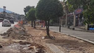 Κηφισιά: Συνεχίζονται οι αποκαταστάσεις επικίνδυνων σημείων, σε πεζοδρόμια κεντρικών αρτηριών της πόλης