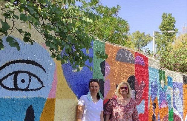 Παπάγου Χολαργός: Μαθητές και καθηγητές έδωσαν χρώμα και ζωντάνια στην περίφραξη του Γυμνασίου-Λυκείου Παπάγου
