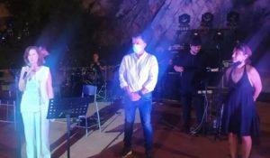 κπληκτική συναυλία από τον αγαπημένο Κώστα Μακεδόνα σε συνεργασία του Δήμου και της Περιφέρειας Αττικής