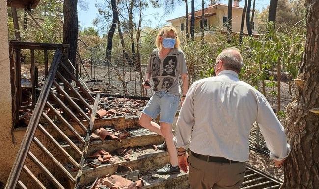 φιλοξενία σε Ξενοδοχείο όσων οικογενειών δεν μπορούν να διαμείνουν στα σπίτιά τους λόγω ζημιών.