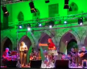 Η συναυλία ήταν αποτέλεσμα της συνεργασίας της Περιφέρεια Αττικής και του Δήμο Πεντέλης στα πλαίσια των καλοκαιρινών πολιτιστικών εκδηλώσεων.