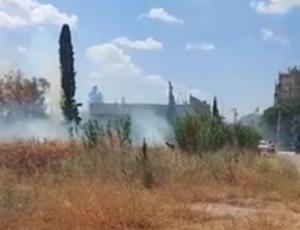Λυκόβρυση Πεύκη: Φωτιά σε οικόπεδα επί των οδών Χανίων-Πατεράκη στην περιοχή της Λυκόβρυσης
