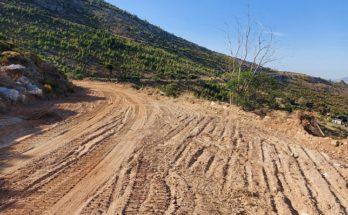 Η αποκατάσταση, των δασικών δρόμων γίνεται σύμφωνα με τις οδηγίες και την επίβλεψη του Δασαρχείου Πεντέλης και θα συνεχιστεί και σε άλλα σημεία του Πεντελικού.