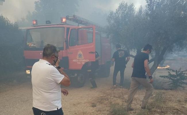 Περιφέρεια Αττικής : Στην πρώτη γραμμή της μάχης για την κατάσβεση της φωτιάς στη Βαρυμπόμπη ο Περιφερειάρχης και όλος ο μηχανισμός της Περιφέρειας