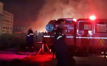 ΣΠΑΥ : Πυρκαγιά ξέσπασε λίγο μετά τις 1.20 τα ξημερώματα στη Βάρη στην περιοχή του πρώην πτηνοτροφείου «ΒΟΚΤΑΣ»