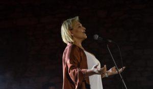 Διόνυσος: Ενθουσίασε το κοινό με την ξεχωριστή λαϊκή φωνή της η Γιώτα Νέγκα χθες στο χώρο εκδηλώσεων του Παλιού Σταθμού Τρένου στο Διόνυσο