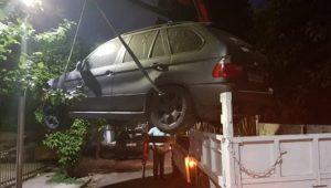 Ηράκλειο : Ξεκίνησε και θα συνεχιστεί με αμείωτο ρυθμό η απομάκρυνση εγκαταλελειμμένων αυτοκινήτων