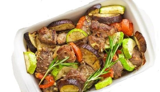 Συνταγή: Μοσχάρι με λαχανικά στο φούρνο