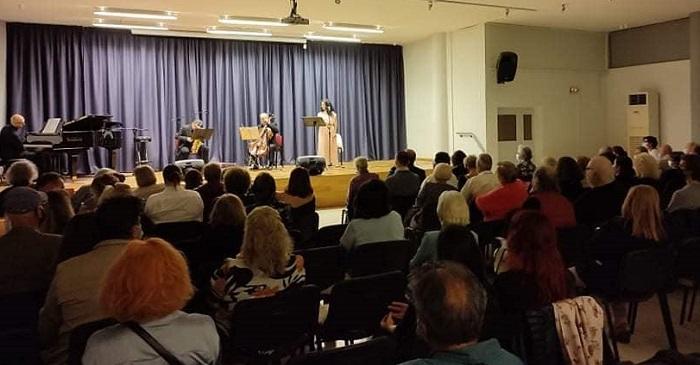 Ηράκλειο Αττικής: Η χθεσινή βραδιά στο δημοτικό Πολιτιστικό Πολυκέντρο ήταν αφιερωμένη στο ελληνικό τραγούδι