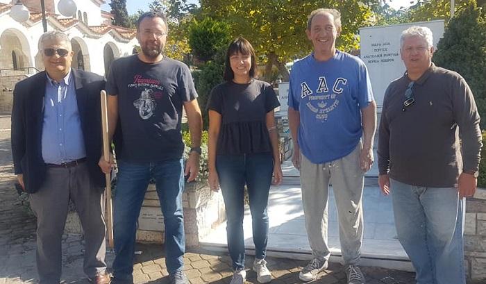 Πεντέλη : Δράση καθαρισμού του ηρώου στην πλατεία του Αγίου Γεωργίου - Πρόσφορα του Δημοτικού Σύμβουλου Σ. Φρεμεντήτη «Πεντέλη 2020»
